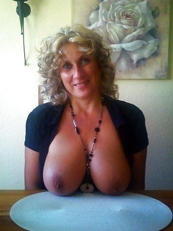 MILF mit Dicken Titten sucht Sextreffen