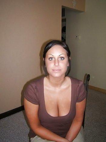 Junge Frau sucht ältere Männer zum ficken!