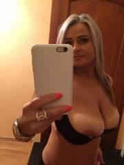 sexgeile Blondine will gefickt werden